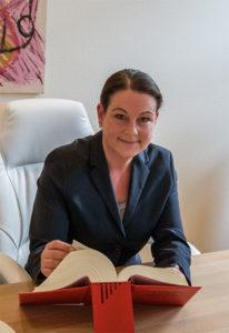Rechtsanwältin Jennifer Stoll